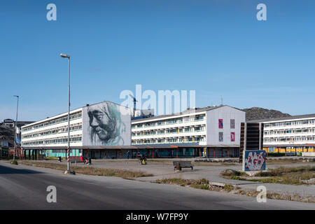 Les immeubles à appartements dans le centre de Nuuk, capitale du Groenland. Nuuk est la plus grande ville du Groenland avec environ 18.000 habitants. Banque D'Images