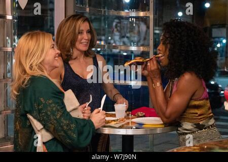 OTHERHOOD, de gauche à droite: Patricia Arquette, Felicity Huffman, Angela Bassett, 2019. ph: Linda / Kallerus / Netflix © Courtesy Everett Collection