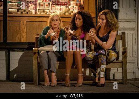 OTHERHOOD, de gauche à droite: Patricia Arquette, Angela Bassett, Felicity Huffman, 2019. ph: Linda / Kallerus / Netflix © Courtesy Everett Collection