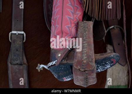 Détail de l'étrier, bottes et éperons de cowboy, Wyoming, USA, modèle publié