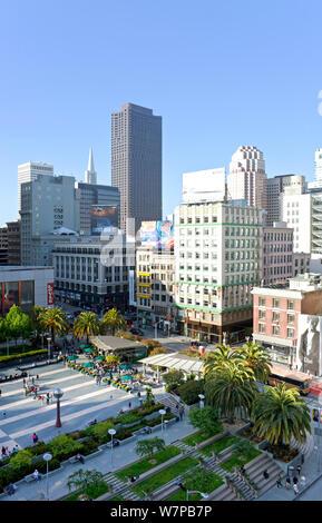 Regarder sur Union Square, dans le centre-ville de San Francisco, Californie, USA 2011