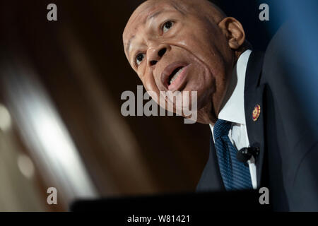 Représentant des États-Unis Elijah Cummings (démocrate du Maryland), Président de la chambre de surveillance et la réforme du gouvernement, porte sur les garnitures de pain au National Press Club, à Washington, DC le mercredi, Août 7, 2019. Crédit : Chris Kleponis/CNP /MediaPunch Banque D'Images