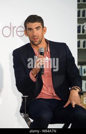 La star américaine Michael Phelps assiste à un événement promotionnel pour Beats by Dr. dre headphone à Shanghai, Chine, 4 novembre 2016. Banque D'Images