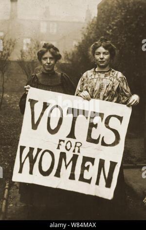 Annie Kenney et Sylvain Pankhurst campagne pour le vote des femmes Banque D'Images