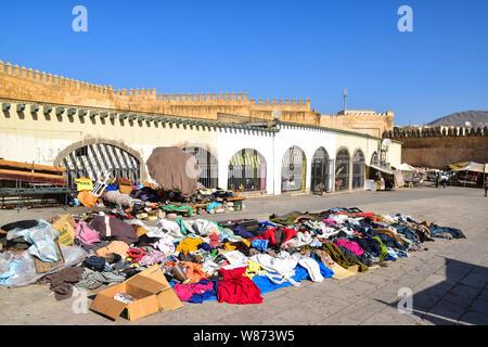 Marché de chiffon, Medina, FES, Maroc, Afrique du Nord Banque D'Images