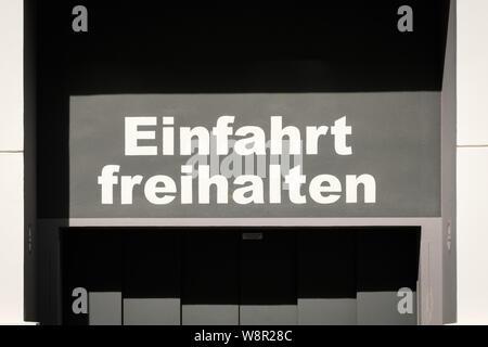 Einfahrt freihalten (allemand pour: Tenir à l'entrée clear) Banque D'Images