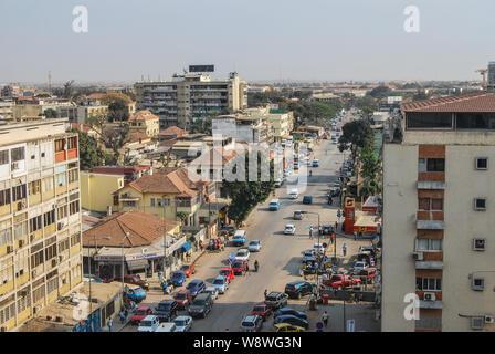 Vue aérienne de l'Angola Luanda rues animées Banque D'Images