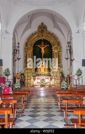 Nerja, Costa del Sol, la province de Malaga, Andalousie, espagne. Intérieur de l'Église El Salvador. Banque D'Images
