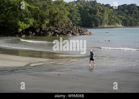 Costa Rica Beach Playa Tulemar près de Manuel Antonio Banque D'Images