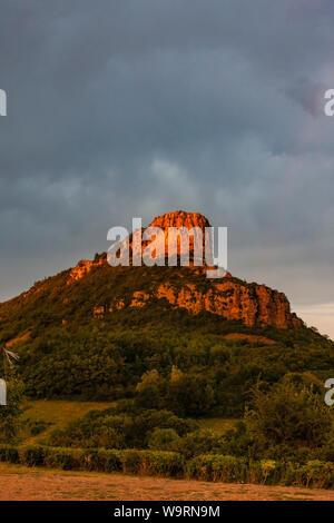 La roche de Solutré, Bourgogne, France Banque D'Images