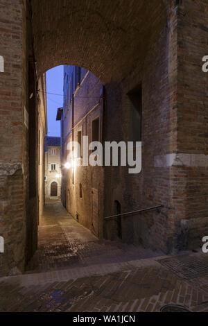 Les rues tranquilles d'Urbino dans les Marches, Italie.