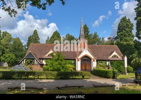 L'extérieur de Saint Édouard traditionnelle orthodoxe de culte l'Église et la fraternité, cimetière de Brookwood, un bâtiment historique de style victorien, Woking, Surrey