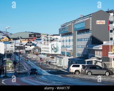 Aqqusinersuaq, la rue principale dans le centre de Nuuk, capitale du Groenland. (Usage éditorial uniquement) Banque D'Images
