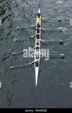Journée d'ouverture de la fête nautique, Seattle, État de Washington. Vue supérieure de l'aviron. Banque D'Images