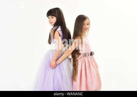 Les petites filles enfants en belle robe. Banque D'Images