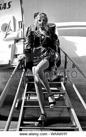 Twiggy quitter un avion 9-16-1968.. Credit : 386648 Photos/MediaPunch_Globe Banque D'Images