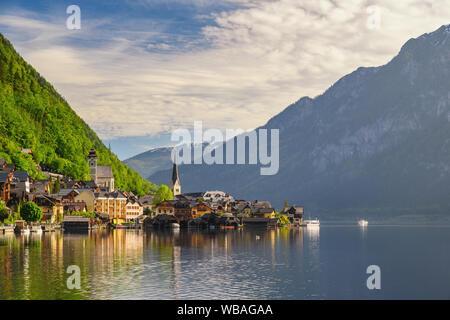 Hallstatt, Autriche Nature Paysage de Hallstatt village avec lac et montagne