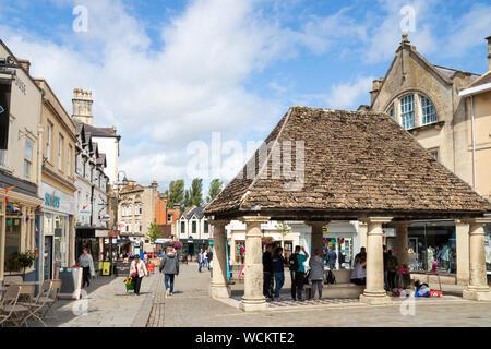 La cité médiévale sur la Place du Marché Buttercross Garbsen England uk go Europe Banque D'Images
