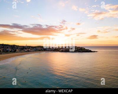 Vue aérienne de Bondi au lever du soleil