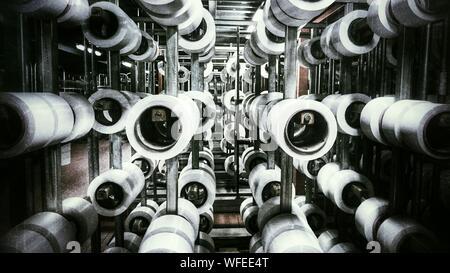 Textiles laminés en usine Banque D'Images
