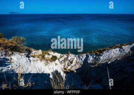Italie, Sicile, Îles Éoliennes inscrite au Patrimoine Mondial de l'UNESCO, Lipari, vieille carrières de pierre ponce de Porticello Banque D'Images