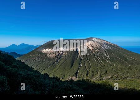 Italie, Sicile, Îles Éoliennes inscrite au Patrimoine Mondial de l'UNESCO, Vulcano, retour de cratère central Banque D'Images