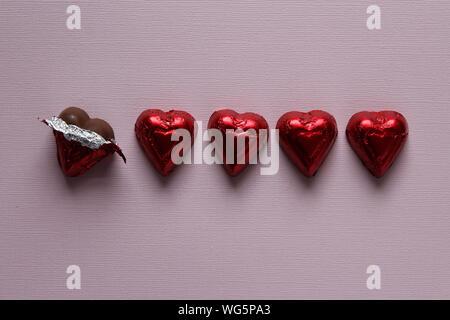 Directement au-dessus de coup de Cœur, des chocolats sur le tableau Banque D'Images