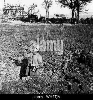 WW1/France: le trompettiste signale l'avions, Verdun, 1918. Banque D'Images