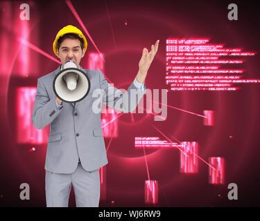 Image composite de l'architecte avec casque de crier avec un mégaphone Banque D'Images