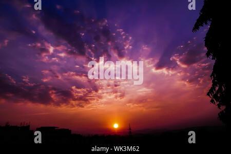 Vue panoramique du ciel au coucher du soleil Banque D'Images