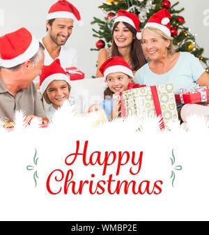 Libre de famille à Noël cadeaux echange contre border Banque D'Images