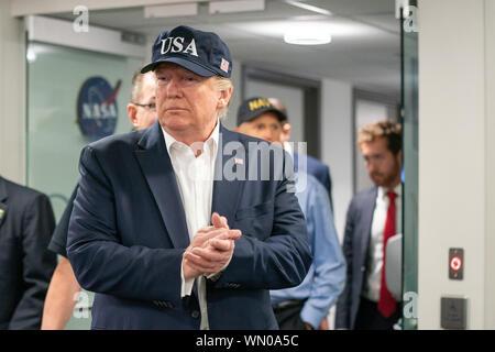 Le Président américain Donald Trump à la Federal Emergency Management Agency (FEMA) pour une séance d'information concernant l'Ouragan Dorian le 1 septembre 2019. (USA) Banque D'Images