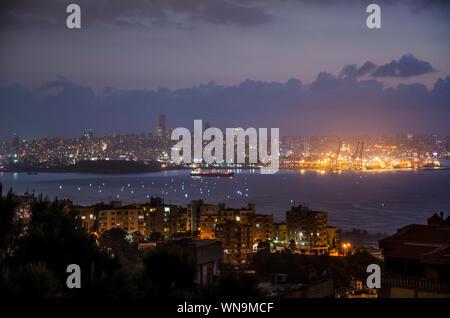 Vue aérienne de allumé Cityscape at Night Banque D'Images