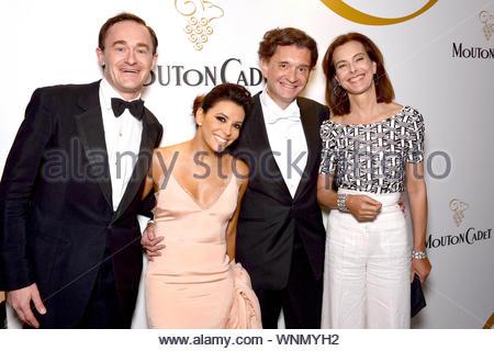 **USA, Australie, Nouvelle-Zélande UNIQUEMENT** Cannes, France - Eva Longoria assiste au Gala Cadeaux mondial au cours de la 67e Assemblée annuelle du Festival de Cannes. AKM-GSI 16 mai 2014 **USA, Australie, Nouvelle-Zélande UNIQUEMENT** pour autoriser ces photos, veuillez communiquer avec: Steve Ginsburg (310) 505-8447 (323) 423-9397 ou sales@akmgsi.com steve@akmgsi.com Maria Buda (917) 242-1505 mbuda@akmgsi.com ginsburgspalyinc@gmail.com Banque D'Images