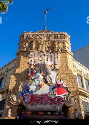 Vues de la Californie célèbre Disneyland et California Adventure Park. Disneyland est l'un des plus célèbres parcs d'amusement et c'est pour les enfants. Banque D'Images