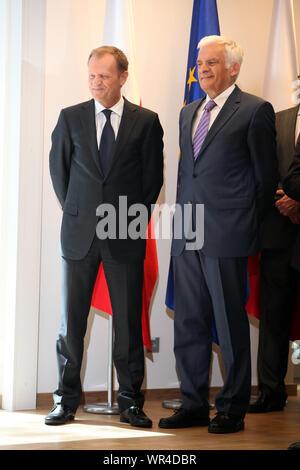 23.05.2011 Bruxelles, Belgique. Sur la photo: Jerzy Buzek, Donald Tusk Banque D'Images