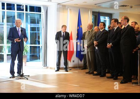 23.05.2011 Bruxelles, Belgique. Sur la photo: Jerzy Buzek, Donald Tusk, Herman Van Rompuy, José Manuel Barroso, Radoslaw Sikorski, Bogdan Klich Banque D'Images