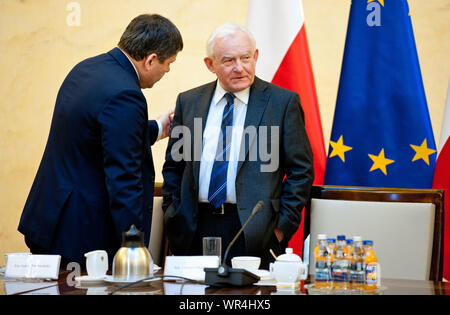 2. 03. 2014 Varsovie, Pologne. Sur la photo: Leszek Miller, Janusz Piechocinski Banque D'Images