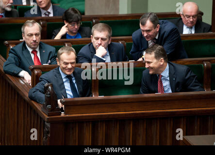 24. 01. 2014, Varsovie, Pologne Sejm. Sur la photo: Radoslaw Sikorski, Donald Tusk, Bartosz Arlukowicz Banque D'Images