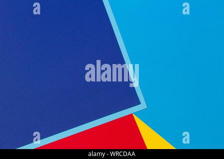 Résumé bleu, rouge et jaune sur papier couleur de fond de la composition géométrique