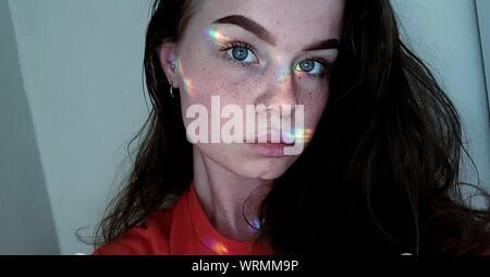 Close-up Portrait of young woman Banque D'Images