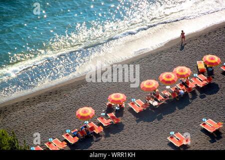 Portrait de sièges On Beach Banque D'Images