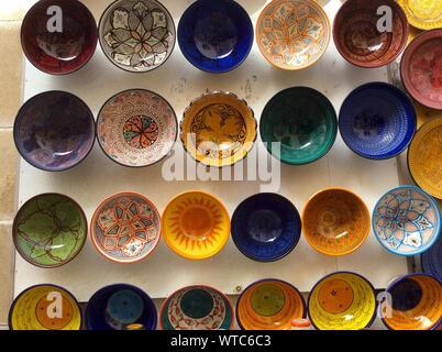 Full Frame Shot de divers bols colorés Banque D'Images