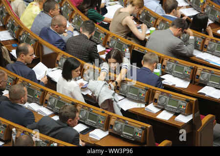 Kiev, Ukraine. Sep 12, 2019. La réunion du Parlement à Kiev, Ukraine, le 12 septembre 2019. La majorité parlementaire n'a pas voté pour la première fois depuis le début du parlement nouvellement élu. Credit: Sergii Kharchenko/ZUMA/Alamy Fil Live News Banque D'Images