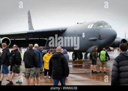 US Air force B-52 sur l'exposition. La pluie, la base des nuages bas et des vents forts mais s'arrête tous les avions en vol le Vendredi, le premier jour du week-end Royal I
