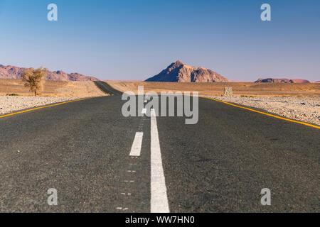 Route pavée, Namib-Naukluft National Park, Sesriem, Namibie