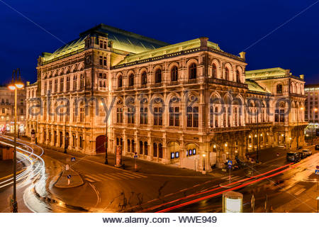 Nuit à l'Opéra de Vienne. L'Autriche Banque D'Images