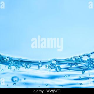 Beaucoup de bulles dans l'eau close up Banque D'Images