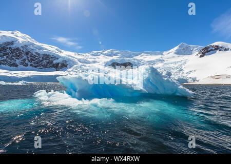 La neige et les glaces d'îles de l'Antarctique