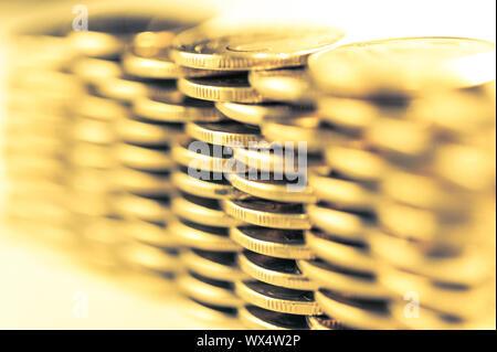 Pile de pièces d'or macro. Rangées de pièces de monnaie pour la finance et de la banque. Les tendances de l'économie contexte pour idée d'entreprise.